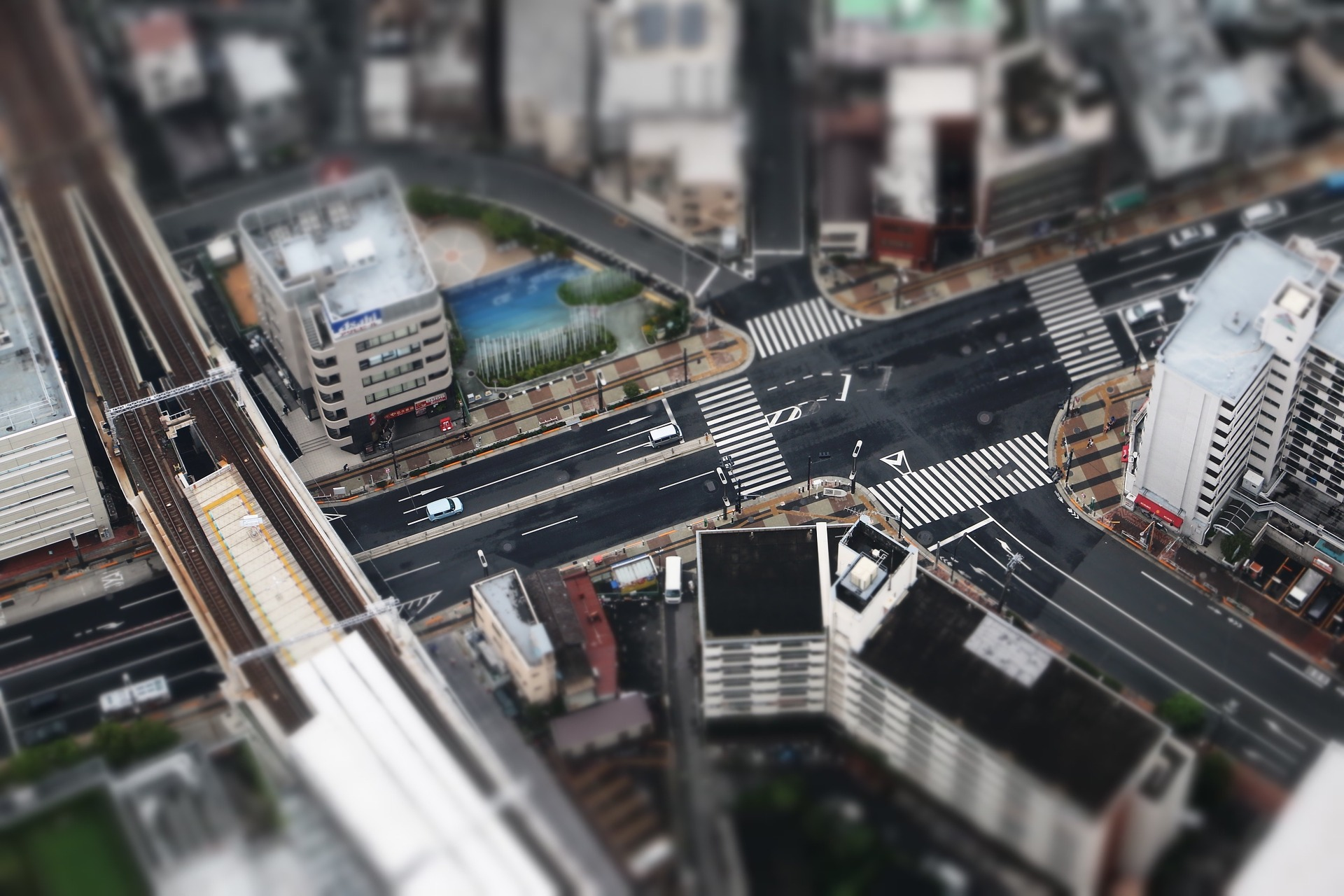 junction-1030728_1920