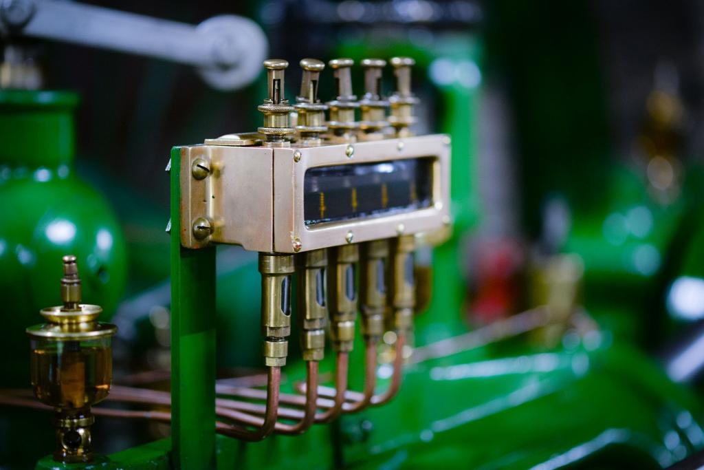 machine-2881168_1920