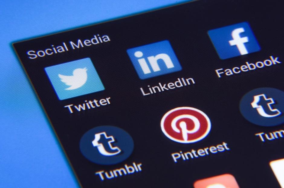 ネット広告,ソーシャルメディア